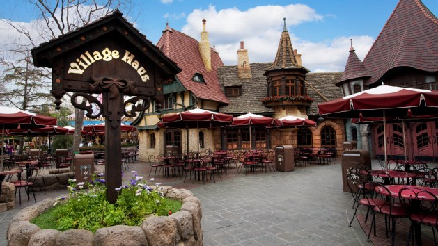 Best Places to Eat at Disneyland // Budget Fairy Tale