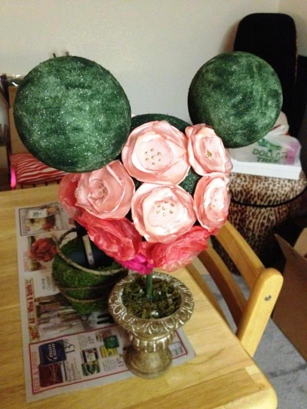 DIY Ombre Floral Mickey Topiary // Budget Fairy Tale