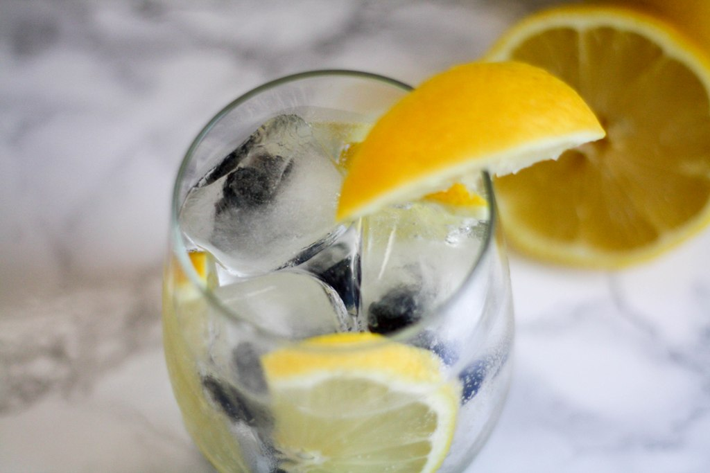 Blueberry Lemonade Rum Spritzer